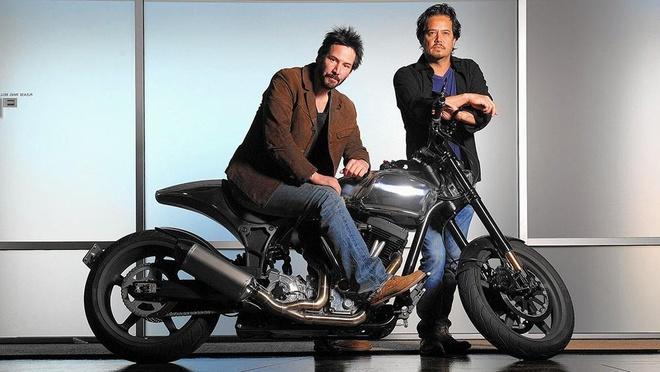 Ben trong lo do xe moto cua tai tu Keanu Reeves hinh anh