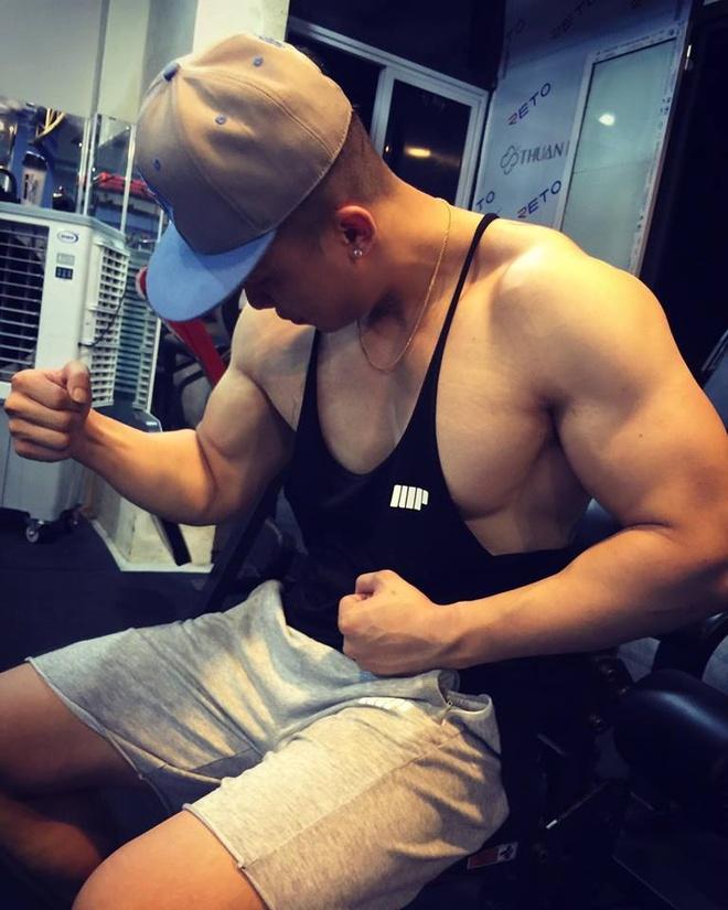 Chang trai nang 90 kg van so huu than hinh 6 mui hinh anh 1
