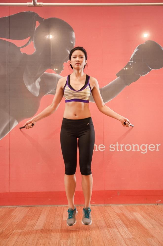 Huan luyen vien nang 61 kg van so huu vong hai 62 cm hinh anh 1