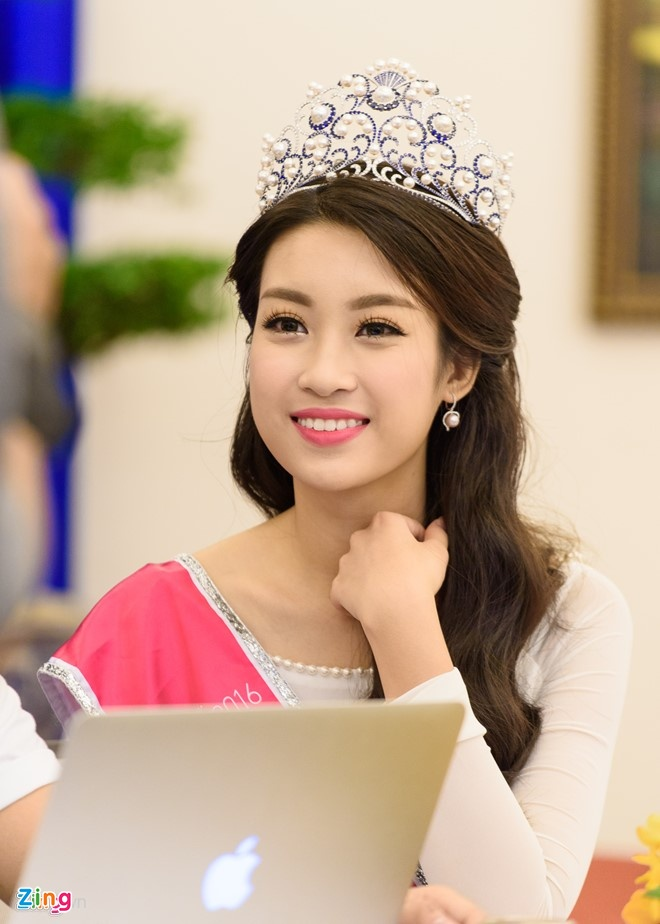 Tuyet chieu cham soc da cua Hoa hau Do My Linh anh 1