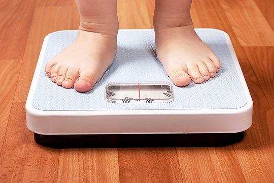 Tre tu 2 den 6 tuoi can tang bao nhieu kg? hinh anh