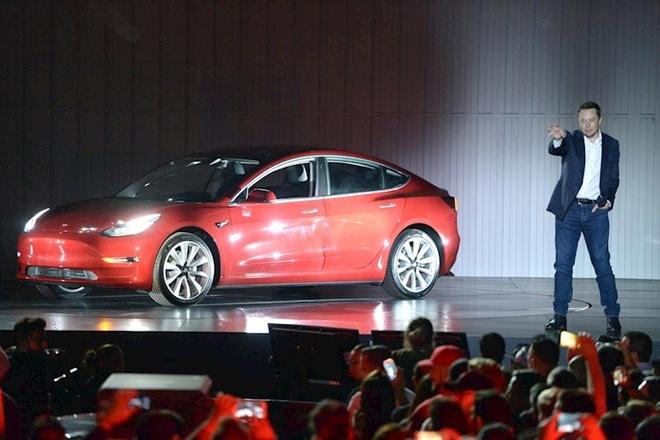 Xe dien Tesla anh 3