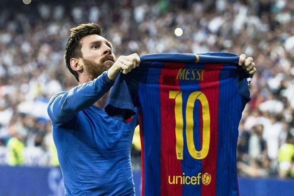 5 tran dau co the dua Messi cham tay vao Qua bong vang 2017 hinh anh