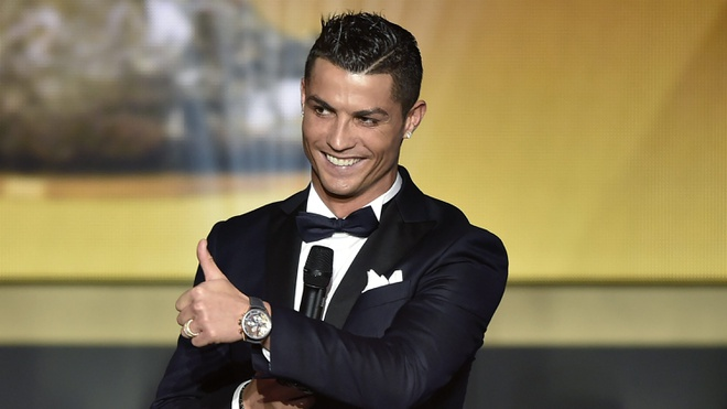 Cristiano Ronaldo: Vi dai tu cai bong cua Messi anh 2
