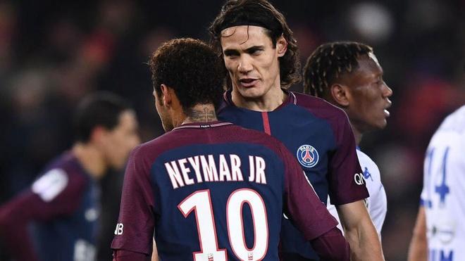 Neymar: Benh sao hon la sieu sao? hinh anh 3