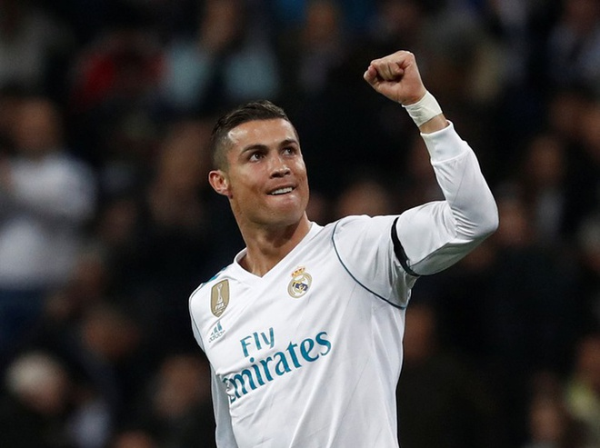 Ronaldo thuc su muon treo giay o Real Madrid? hinh anh 1