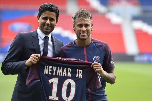 Neymar duoc bom tan Barca hoan nghenh tro ve hinh anh 3