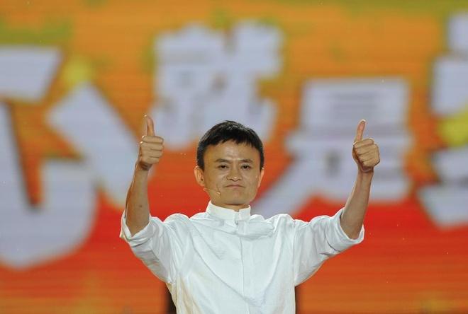 Alibaba va chien luoc khon ngoan tan dung nguoi noi tieng hinh anh