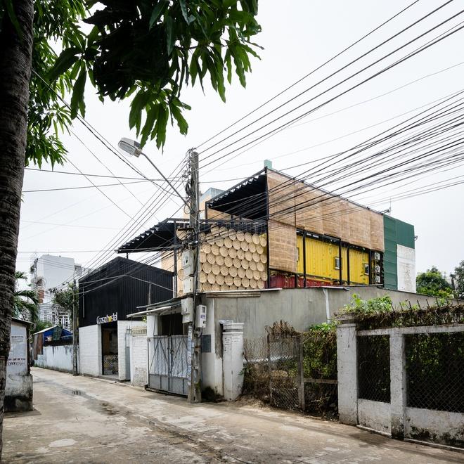 Khach san lam tu container doc dao o Nha Trang anh 14