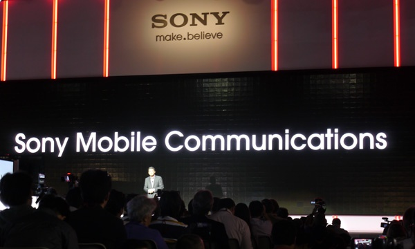 "Dien thoai Sony Ericsson: Tu ""ong vua nhac so"" thanh ke bai tran hinh anh 4"