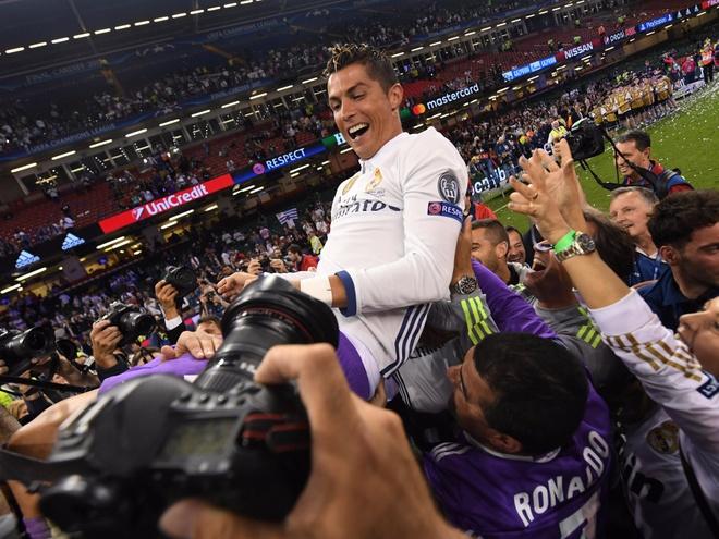 Cristiano Ronaldo kiem va tieu khoi tai san tram trieu USD ra sao? hinh anh