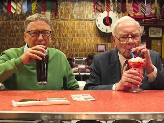 Giau thu ba the gioi,  ty phu Warren Buffett tieu tien nhu the nao? anh 9