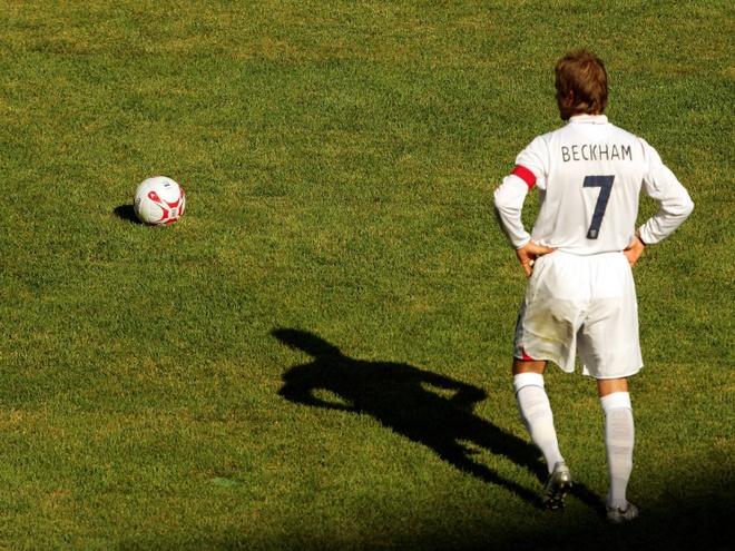Vo chong David Beckham kiem va tieu tien nhu the nao? hinh anh 3