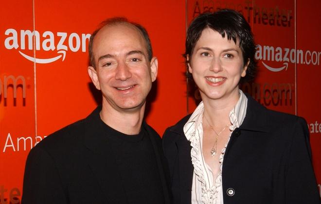 Sau ly hon, vo ty phu Jeff Bezos se la phu nu giau nhat the gioi? hinh anh 1