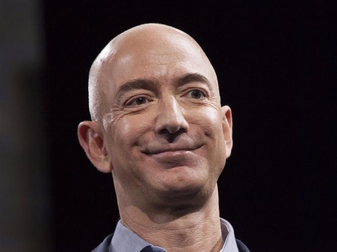 Khoi tai san 137 ty USD sap chia voi vo cua Jeff Bezos gom nhung gi? hinh anh 1
