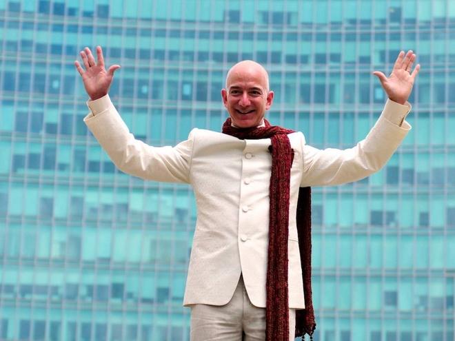 Khoi tai san 137 ty USD sap chia voi vo cua Jeff Bezos gom nhung gi? hinh anh 3