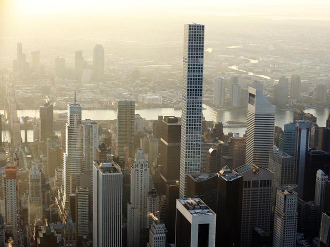Can penthouse tai chung cu cao nhat New York chia doi moi ban duoc hinh anh