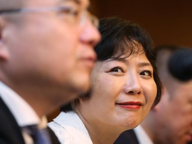 Từ công nhân nhà máy thành nữ tỷ phú tự thân giàu nhất Trung Quốc - Ảnh 15