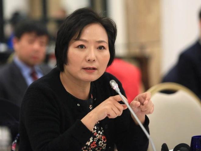Từ công nhân nhà máy thành nữ tỷ phú tự thân giàu nhất Trung Quốc - Ảnh 13