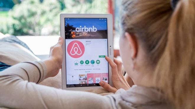 Airbnb, Uber va loat cong ty noi tieng van lien tuc lo nang hinh anh 1 1.jpeg