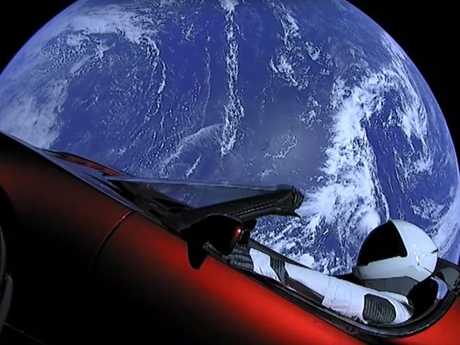 Elon Musk,  Telsa anh 3