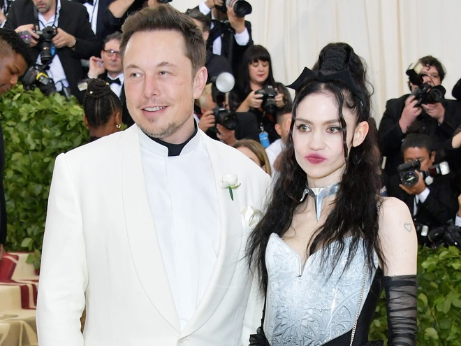 Elon Musk,  Telsa anh 7