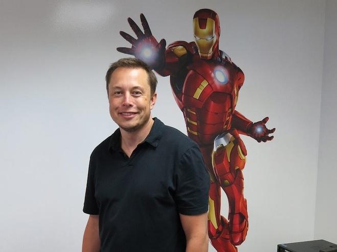 Elon Musk,  Telsa anh 9