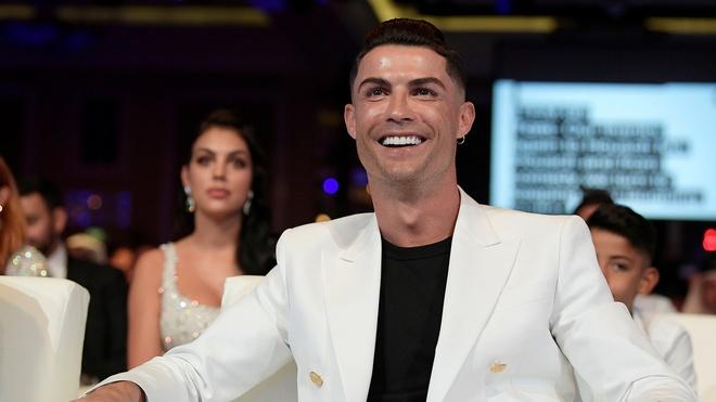 ty phu USD Ronaldo anh 3