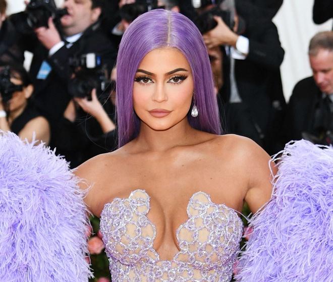 Kylie Jenner kiem khoi tai san 900 trieu USD nhu the nao anh 1
