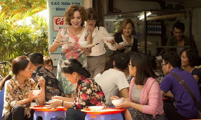 Phim ve '3 ba ninja' Tay Ban Nha tren duong pho Ha Noi gay
