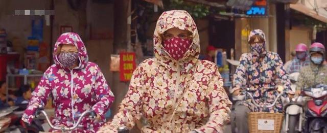 Phim ve '3 ba ninja' Tay Ban Nha tren duong pho Ha Noi gay chu y hinh anh