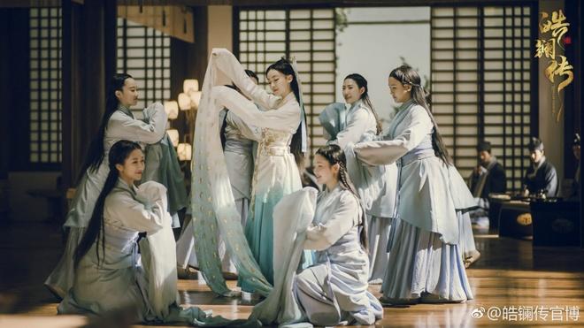 Can Long - Anh Lac - Cao Quy phi gap lai nhau trong 'Hao Lan truyen' hinh anh 2