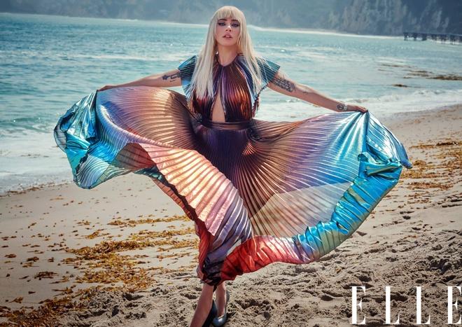 'Me quy' Lady Gaga lot xac, ban nude trong bo anh moi hinh anh 3