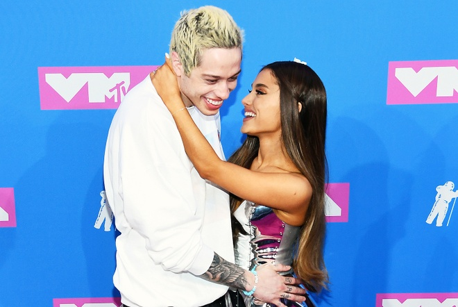 Ariana Grande huy hon uoc voi Pete Davidson hinh anh