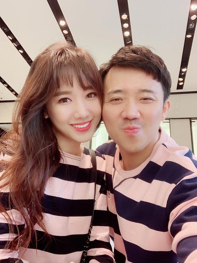 Hari Won khoe qua Tran Thanh tang anh 2