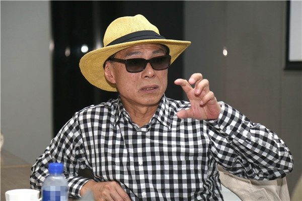 Sao Hoa ngu tiec thuong dao dien Lam Linh Dong anh 2