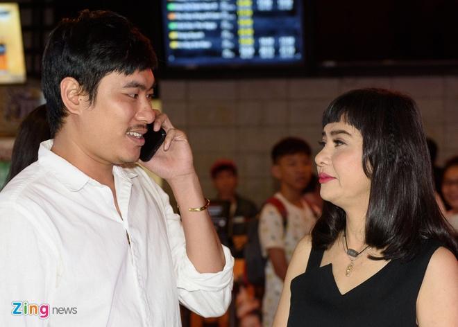 Ra phim mới, Cát Phượng - Kiều Minh Tuấn tình tứ như chưa từng rạn nứt