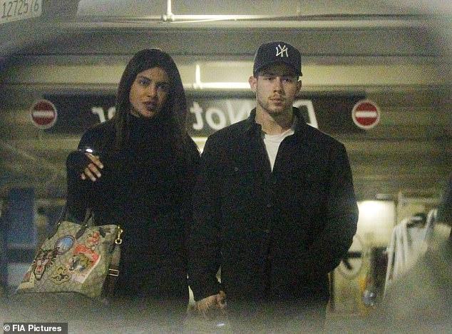 Priyanka Chopra va Nick Jonas anh 2