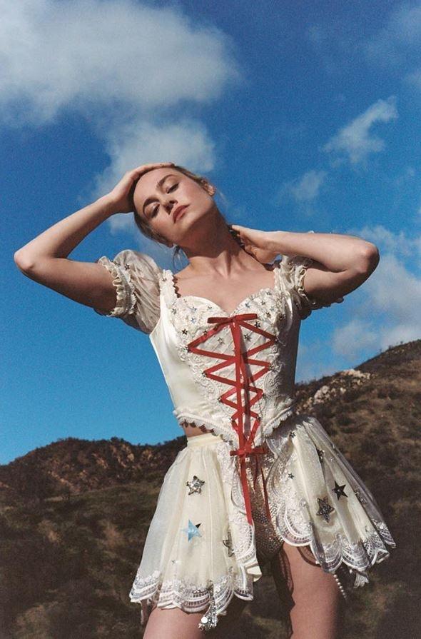 'Captain Marvel' Brie Larson ngay cang dep sac sao, quyen ru hinh anh 7