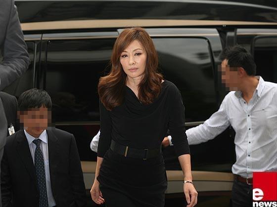 Lee Mi Sook lan dau len tieng ve vu Jang Ja Yeon anh 1