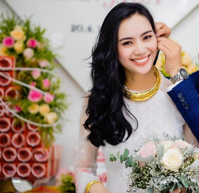 Truong Kieu Diem X-Factor dep rang ngoi trong le dinh hon o que nha hinh anh 4