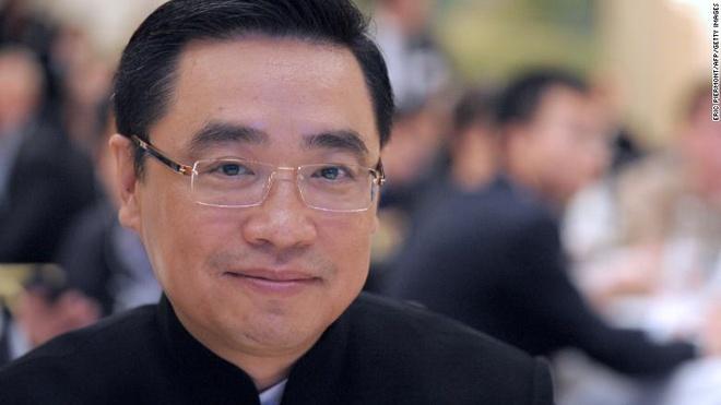 Dai gia Trung Quoc lam an ra sao truoc khi bi tai nan o Phap? hinh anh