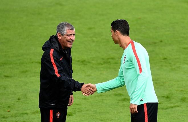 Khong phai Ronaldo, HLV Santos dua Bo Dao Nha vao tu ket hinh anh
