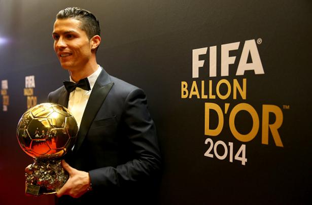 Khong can vo dich Euro, Ronaldo van co Qua bong vang hinh anh 3