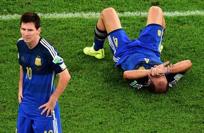 Xavi: 'Ronaldo cung khong cung dang cap voi Messi' hinh anh 1