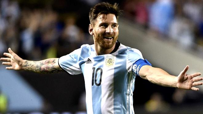 Xavi: 'Ronaldo cung khong cung dang cap voi Messi' hinh anh