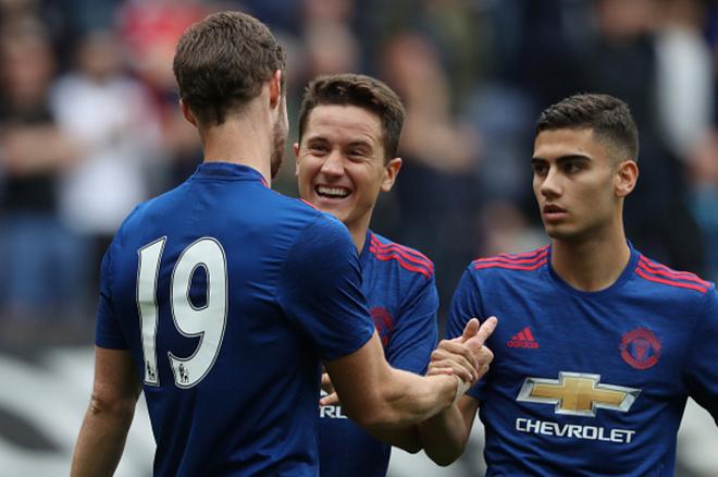 Mourinho va Man United: Tim den nhau vi ton thuong hinh anh 4