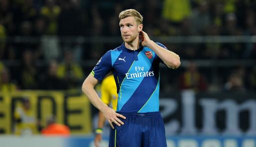 Arsenal truoc mua giai moi: Con Wenger, con that bai hinh anh 1