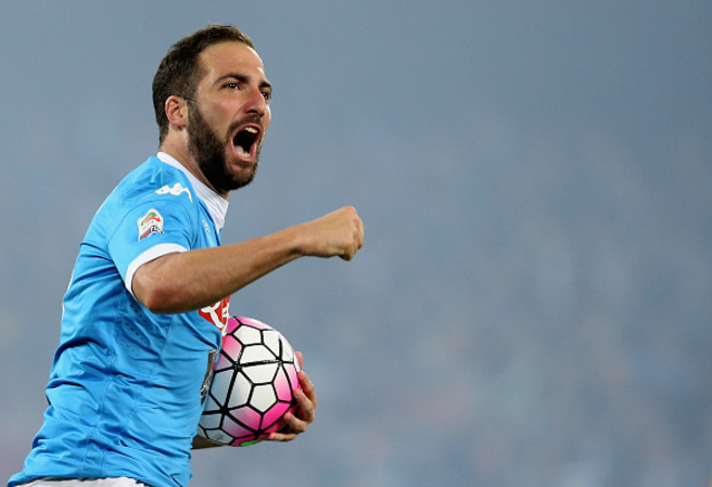 Gonzalo Higuain toi Juventus: Lao ba pha nat Serie A hinh anh
