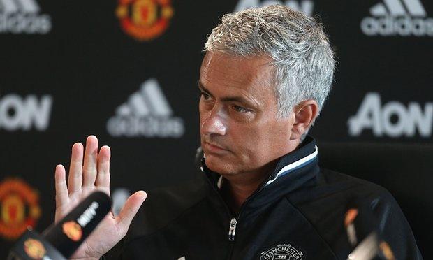 Mourinho goi Wenger va Klopp la vo dao duc hinh anh 2